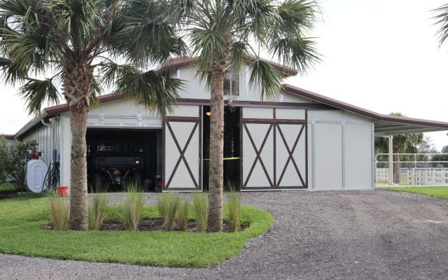RCA Barn with Gravel Driveway